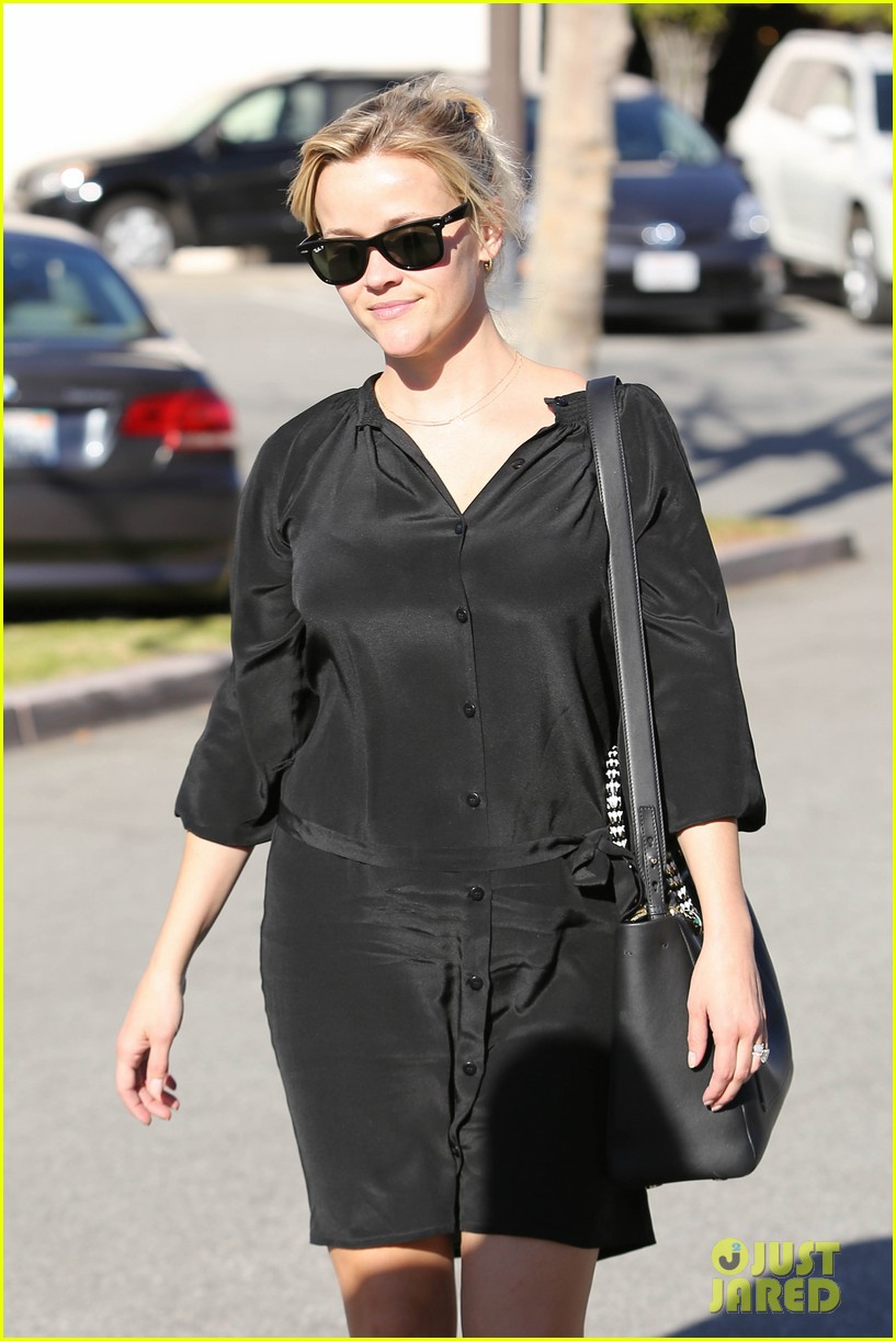reese witherspoon sugarfish sushi lunch 02