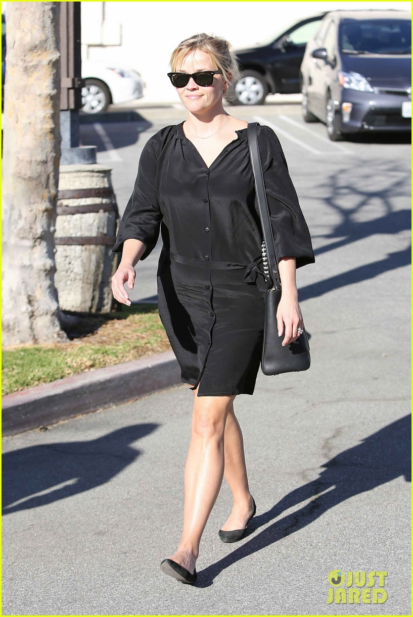 reese witherspoon sugarfish sushi lunch 05
