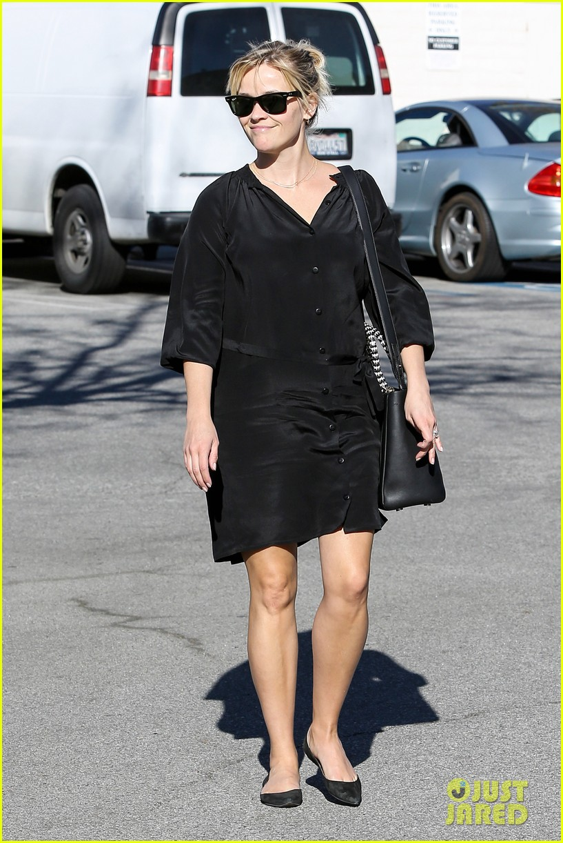 reese witherspoon sugarfish sushi lunch 16
