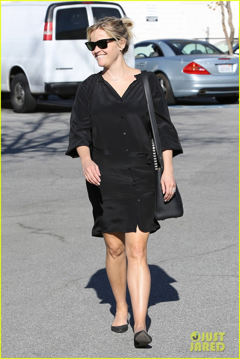 reese witherspoon sugarfish sushi lunch 17
