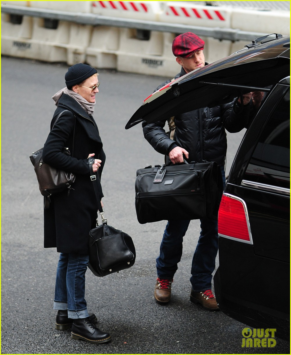 robin wright ben foster penn station pair 182801549