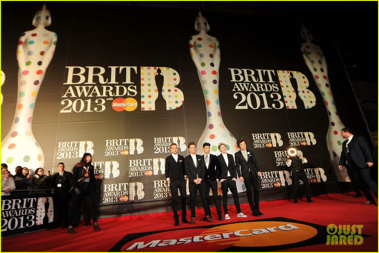 one direction brit awards red carpet 2013 032815841