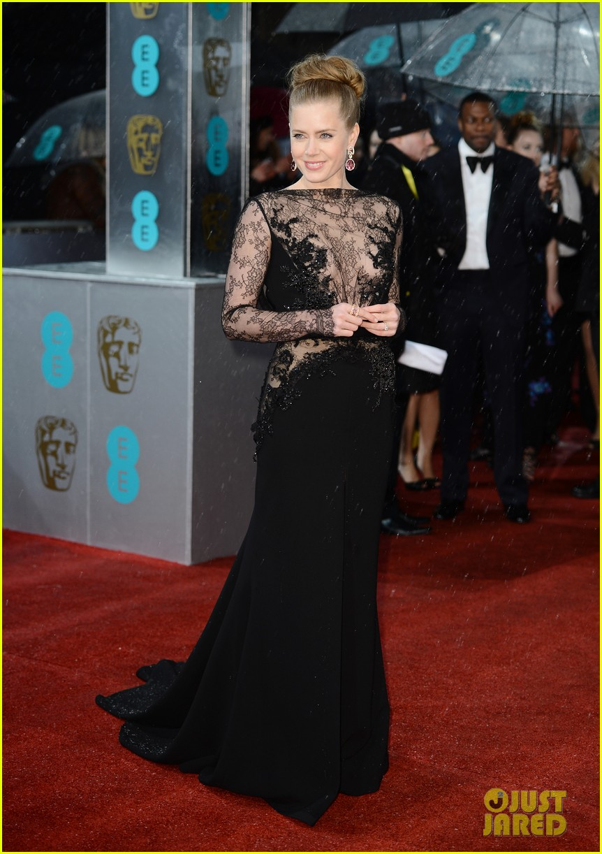 amy adams baftas 2013 red carpet02