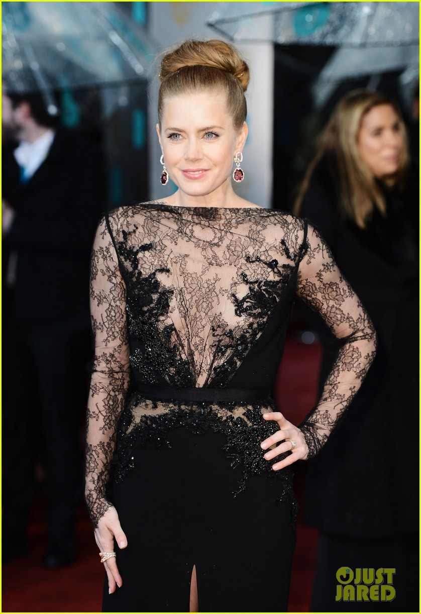 amy adams baftas 2013 red carpet03