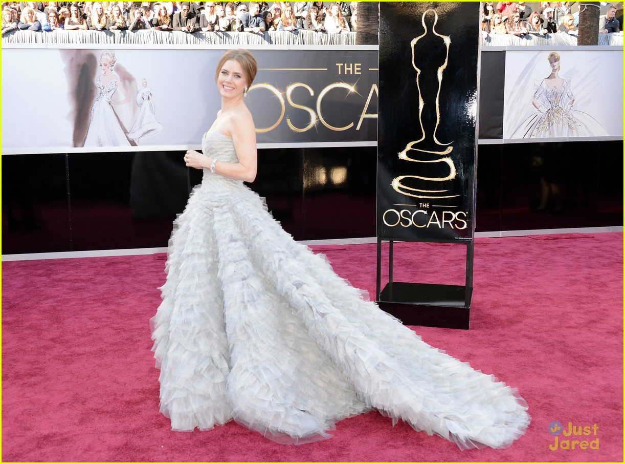 amy adams darren le gallo oscars 2013 red carpet 032818977