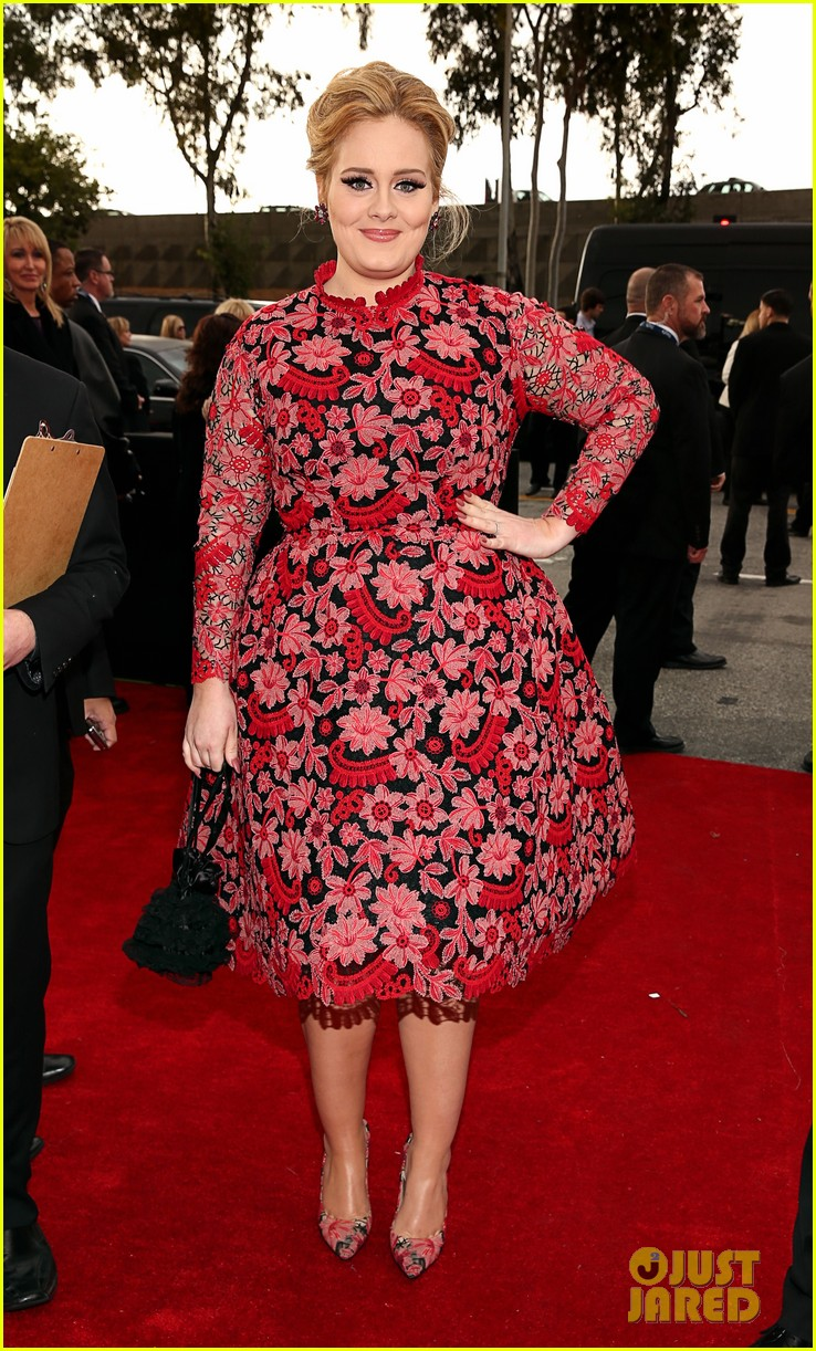 adele grammys 2013 red carpet 01