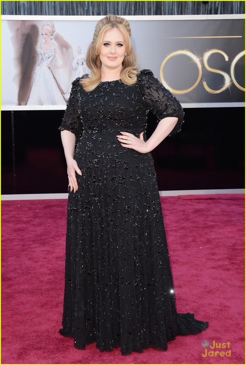 adele oscars red carpet 2013 01