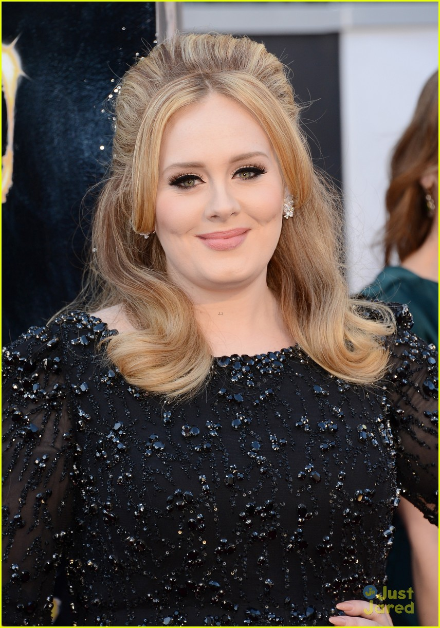 adele oscars red carpet 2013 04