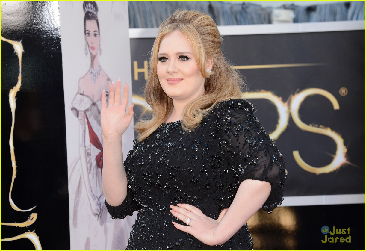 adele oscars red carpet 2013 10