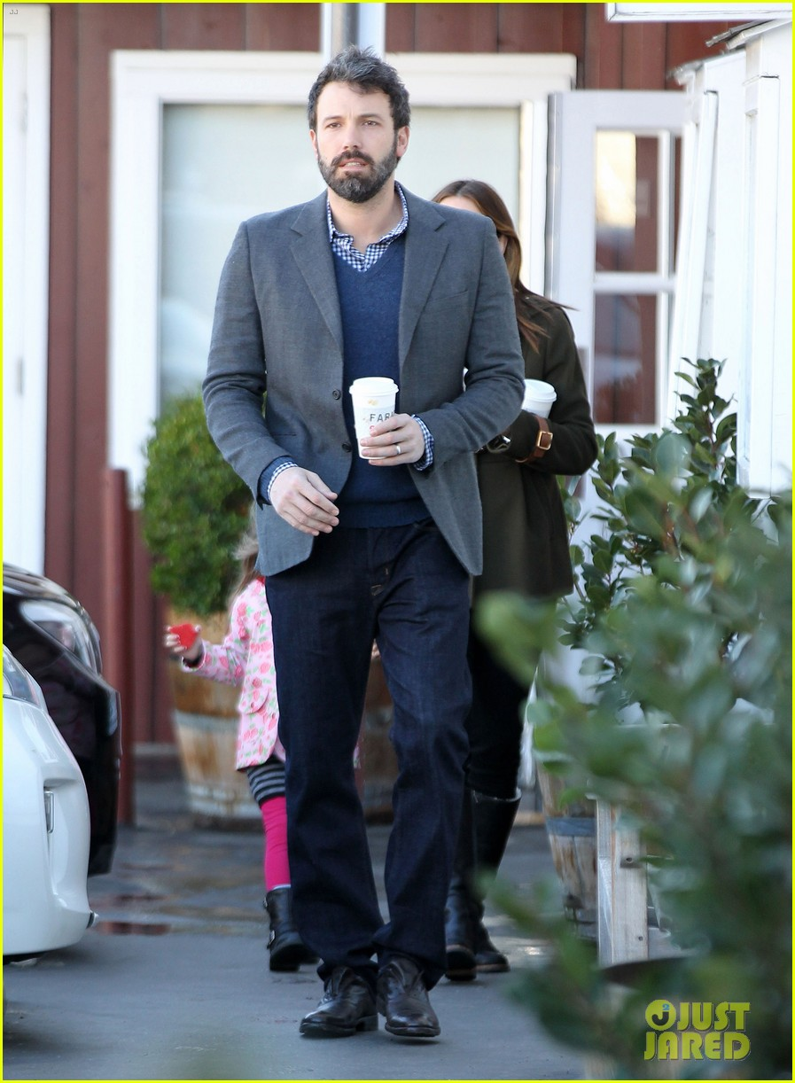 ben affleck jennifer garner breakfast with seraphina 01