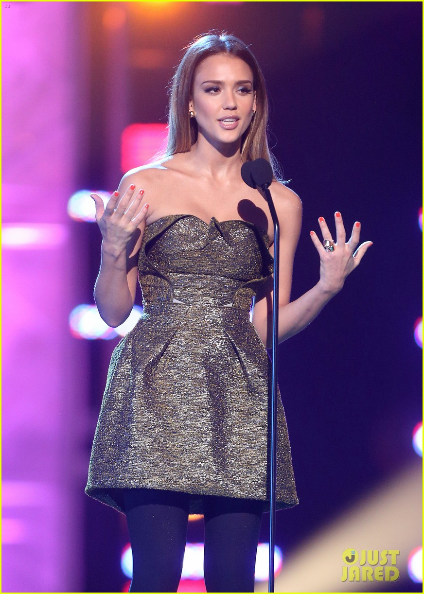 jessica alba ryan lochte hall of game awards 2013 11