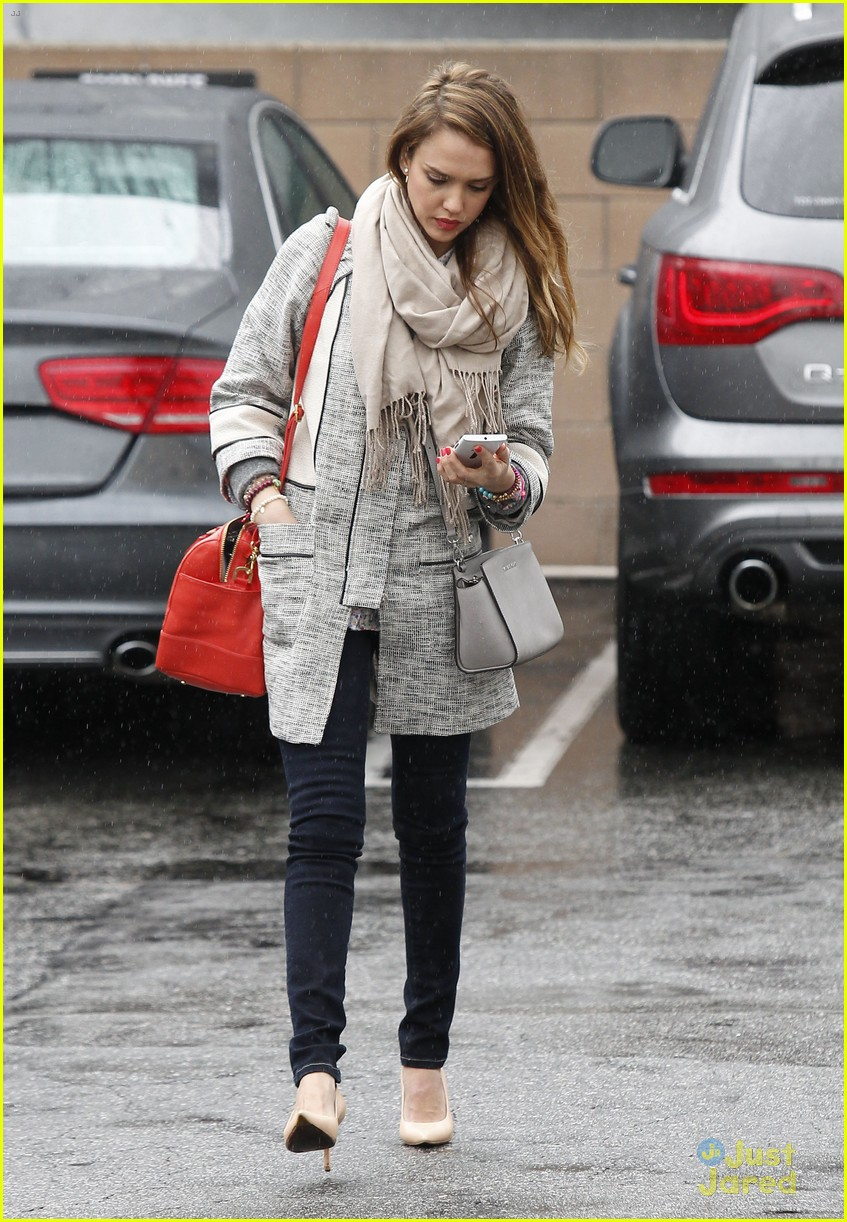 jessica alba im not as crazy as my escape from planet earth character 65