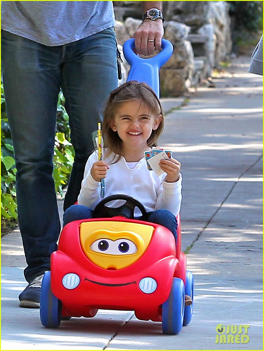 alessandra ambrosio park day with the family 05