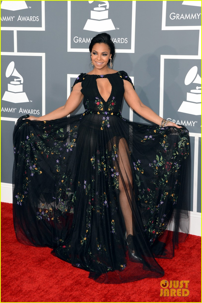 ashanti grammys 2013 red carpet 05