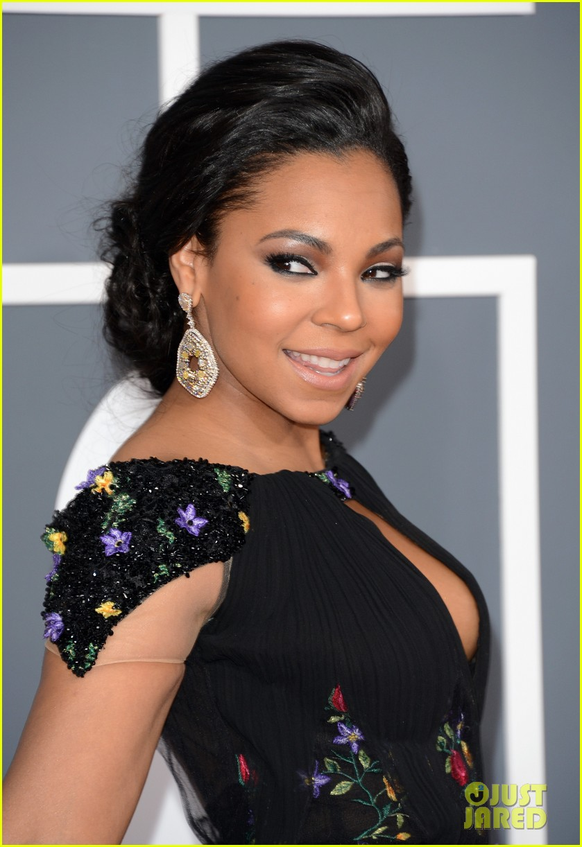 ashanti grammys 2013 red carpet 072809046