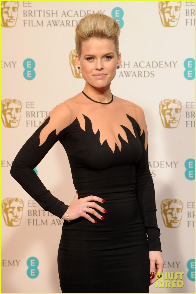 hayley atwell alice eve baftas 2013 red carpet 02
