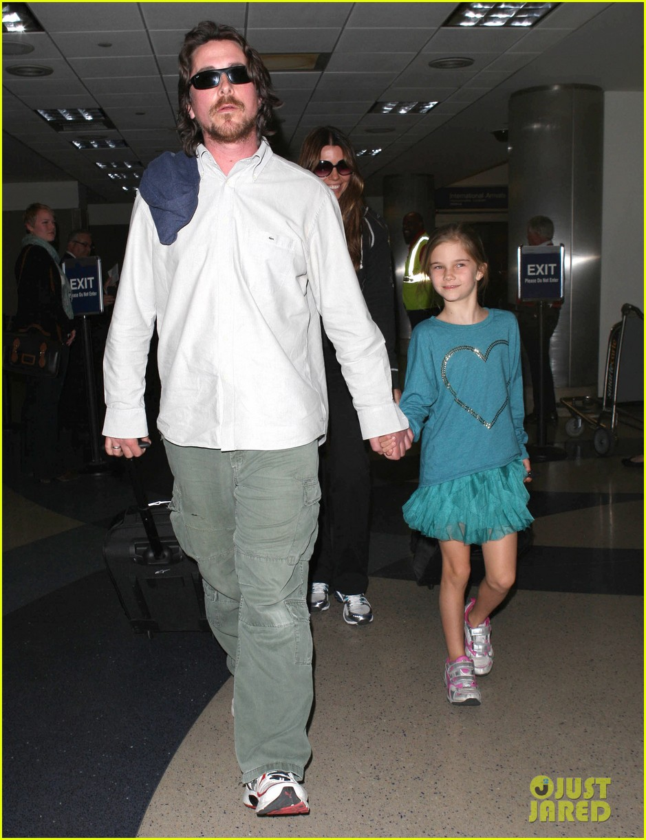 christian bale post birthday family flight 01