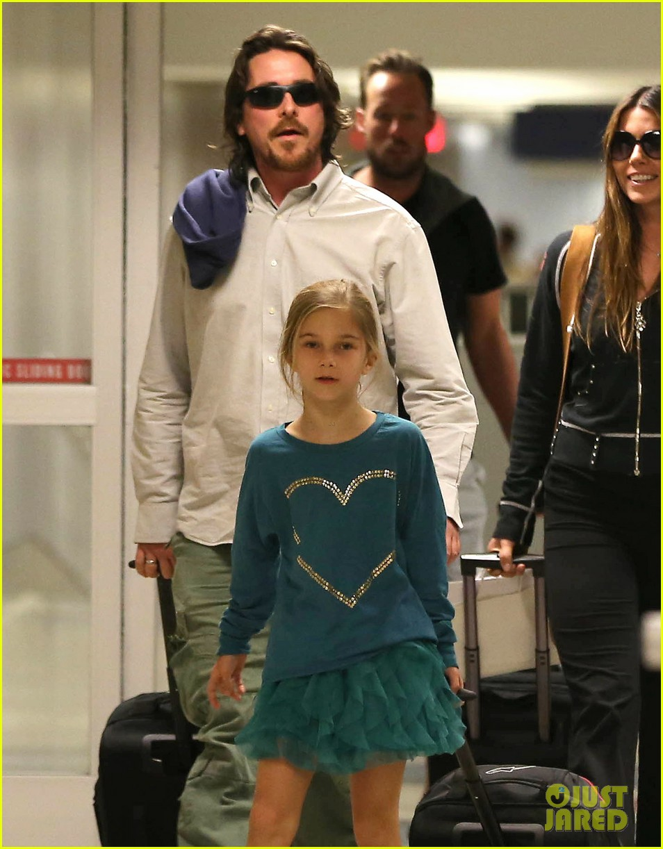 christian bale post birthday family flight 02