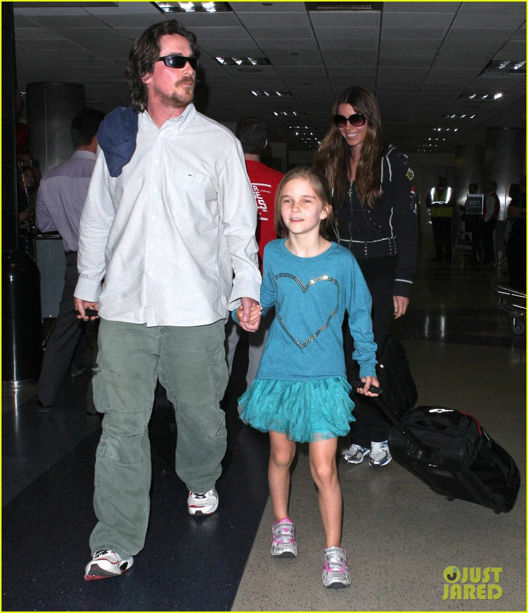 christian bale post birthday family flight 14