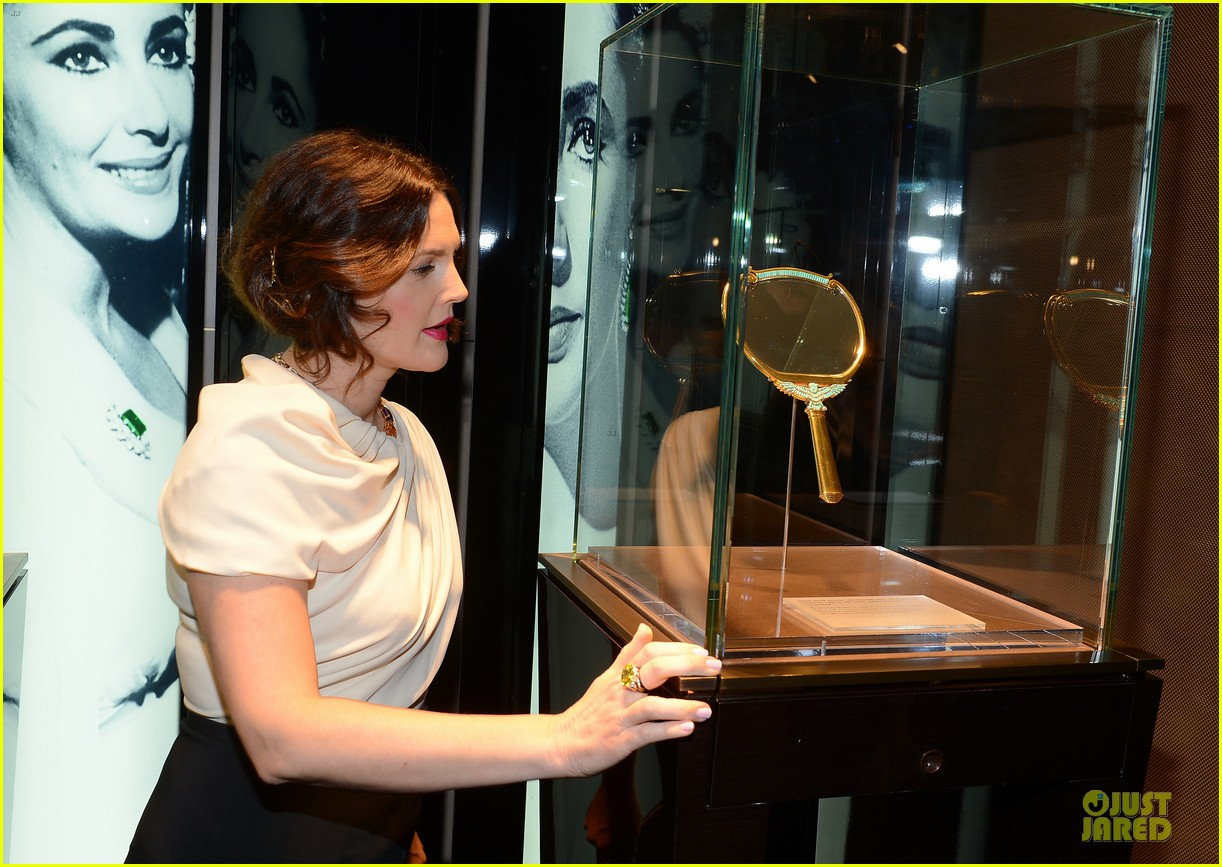 drew barrymore julianne moore elizabeth taylor bvlgari collection event 03