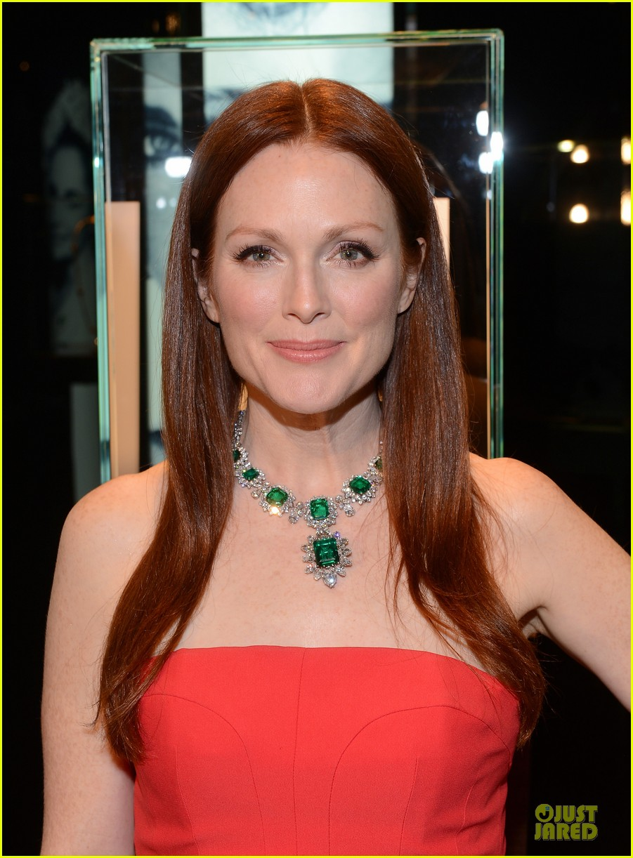 drew barrymore julianne moore elizabeth taylor bvlgari collection event 04