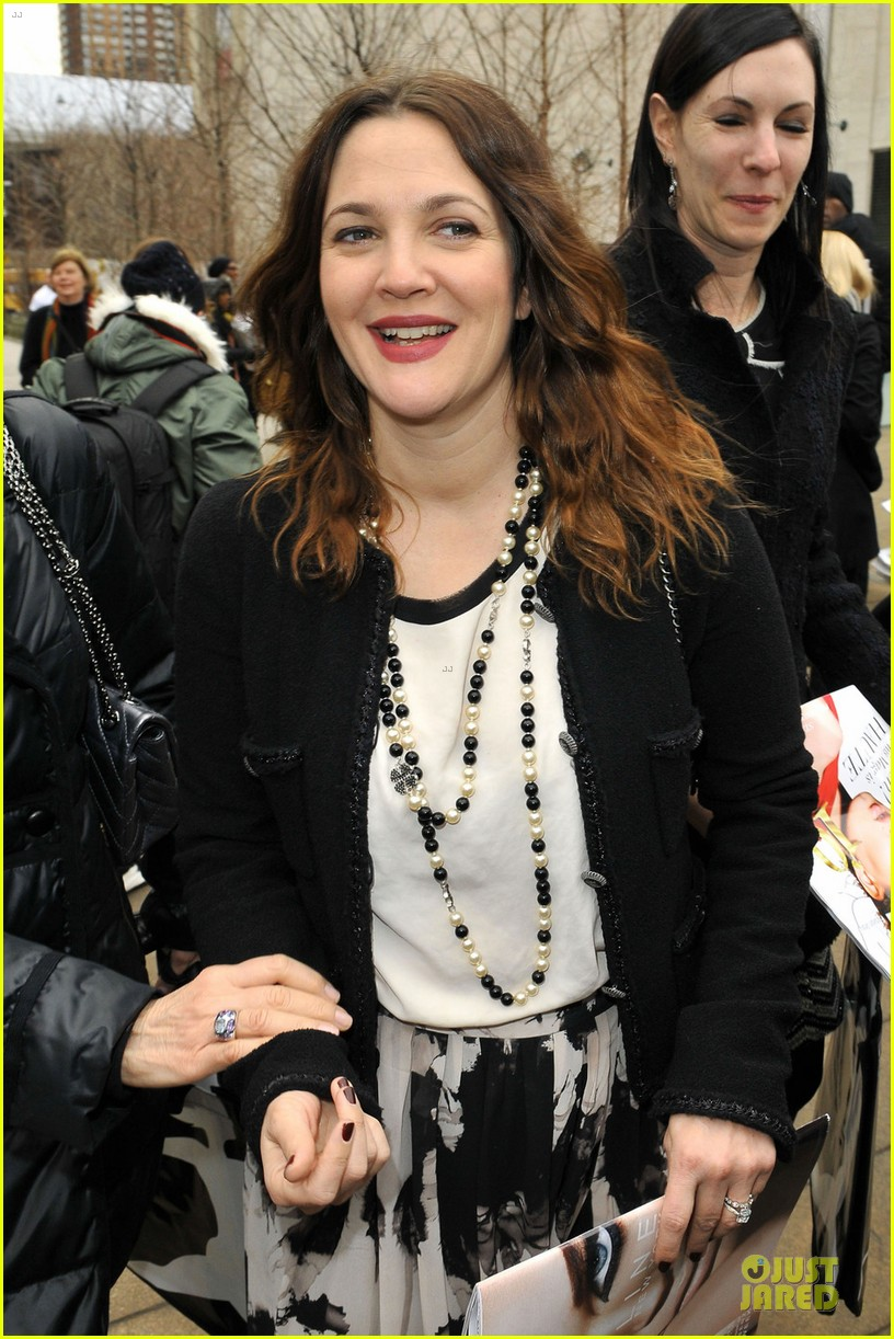 drew barrymore rag bone fashion show 02