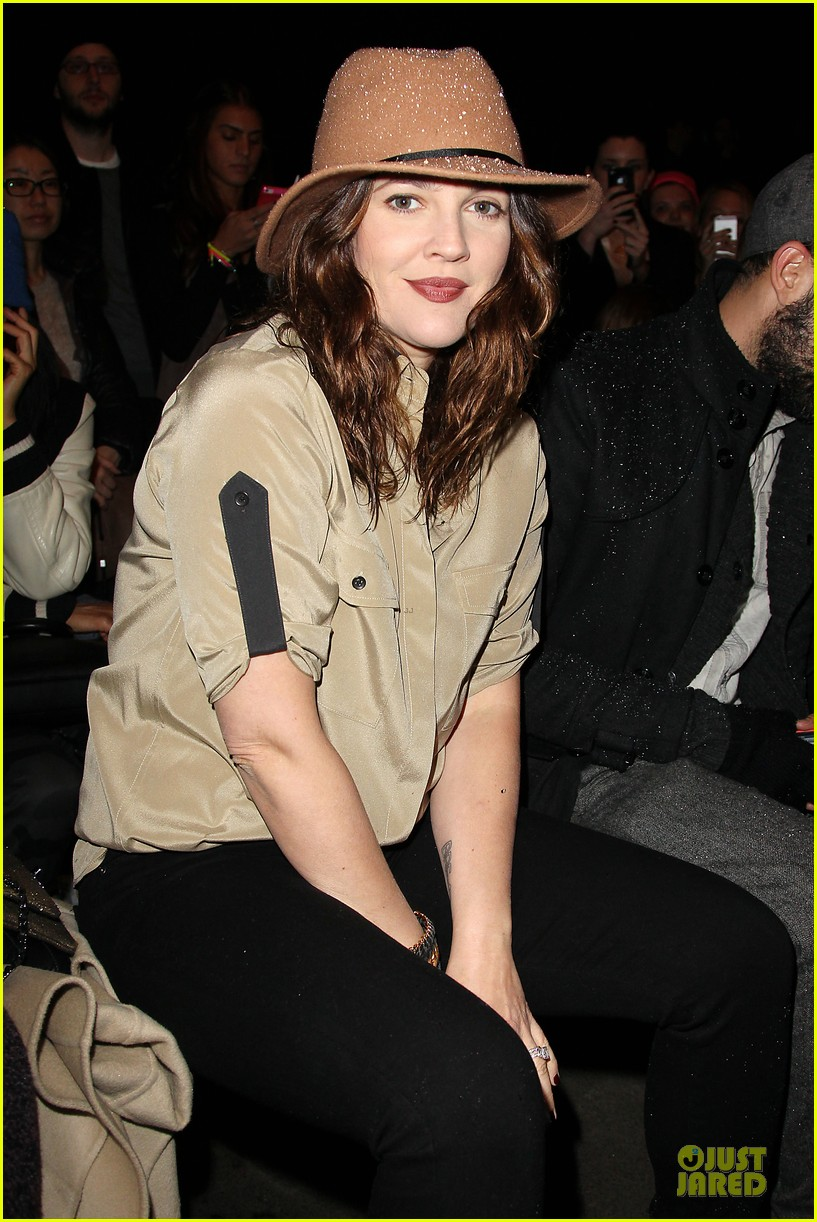 drew barrymore rag bone fashion show 06