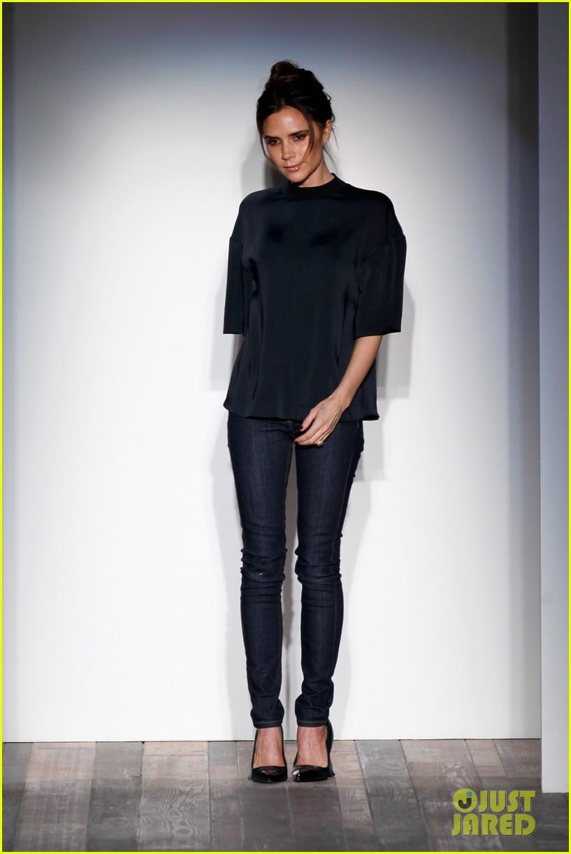 victoria beckham new york fashion week runway show 02