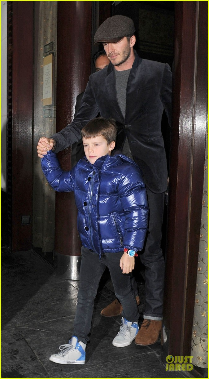david beckham tamarind restaurant dinner with the boys 01