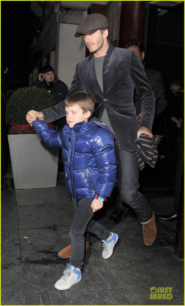 david beckham tamarind restaurant dinner with the boys 092808033