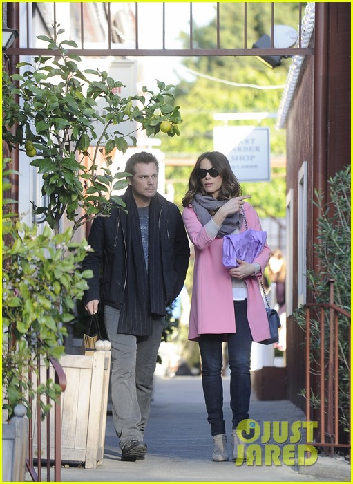 kate beckinsale len wiseman brentwood country mart couple 012808981