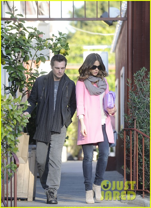 kate beckinsale len wiseman brentwood country mart couple 05