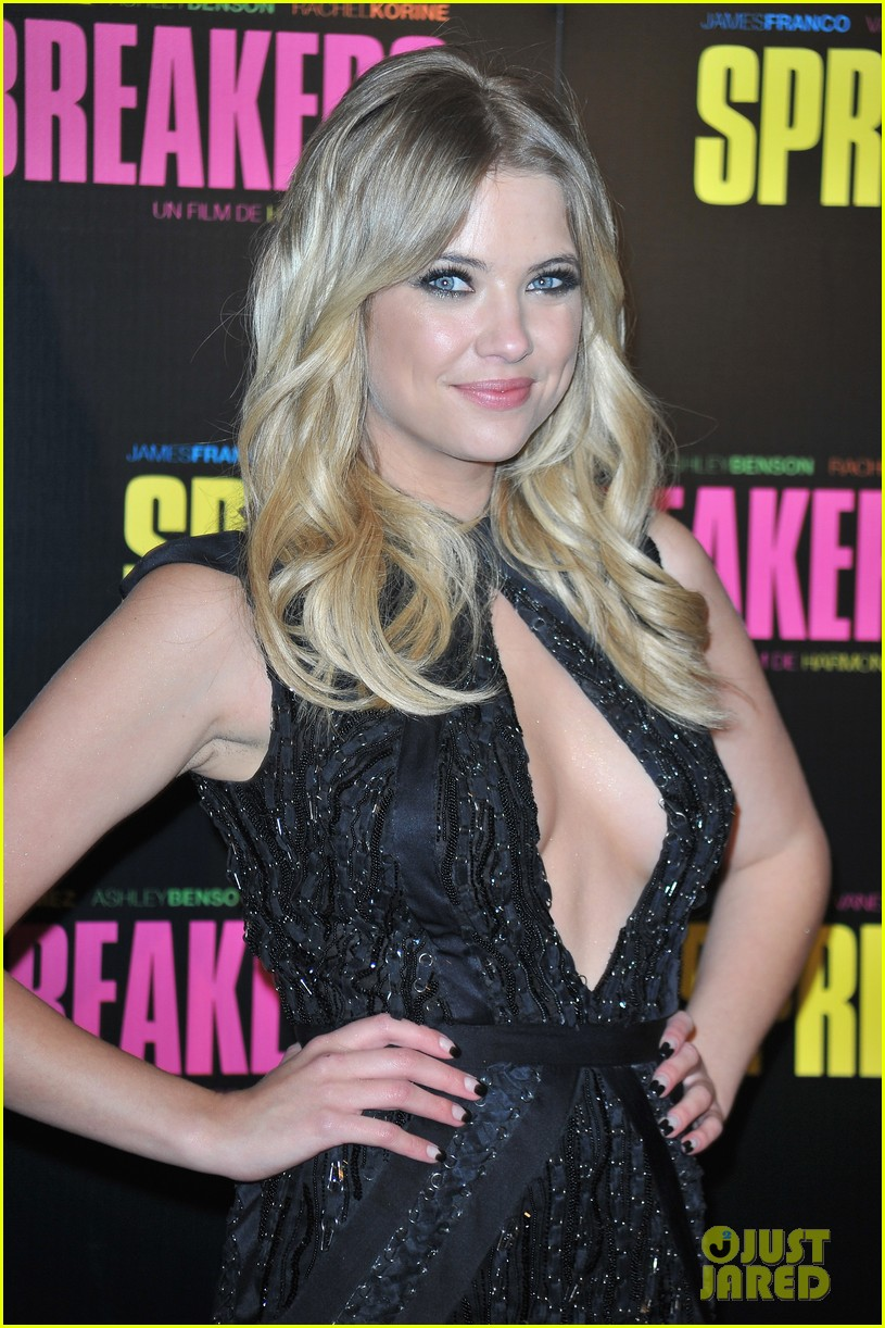 ashley benson rachel korine spring breakers paris premiere 082814579