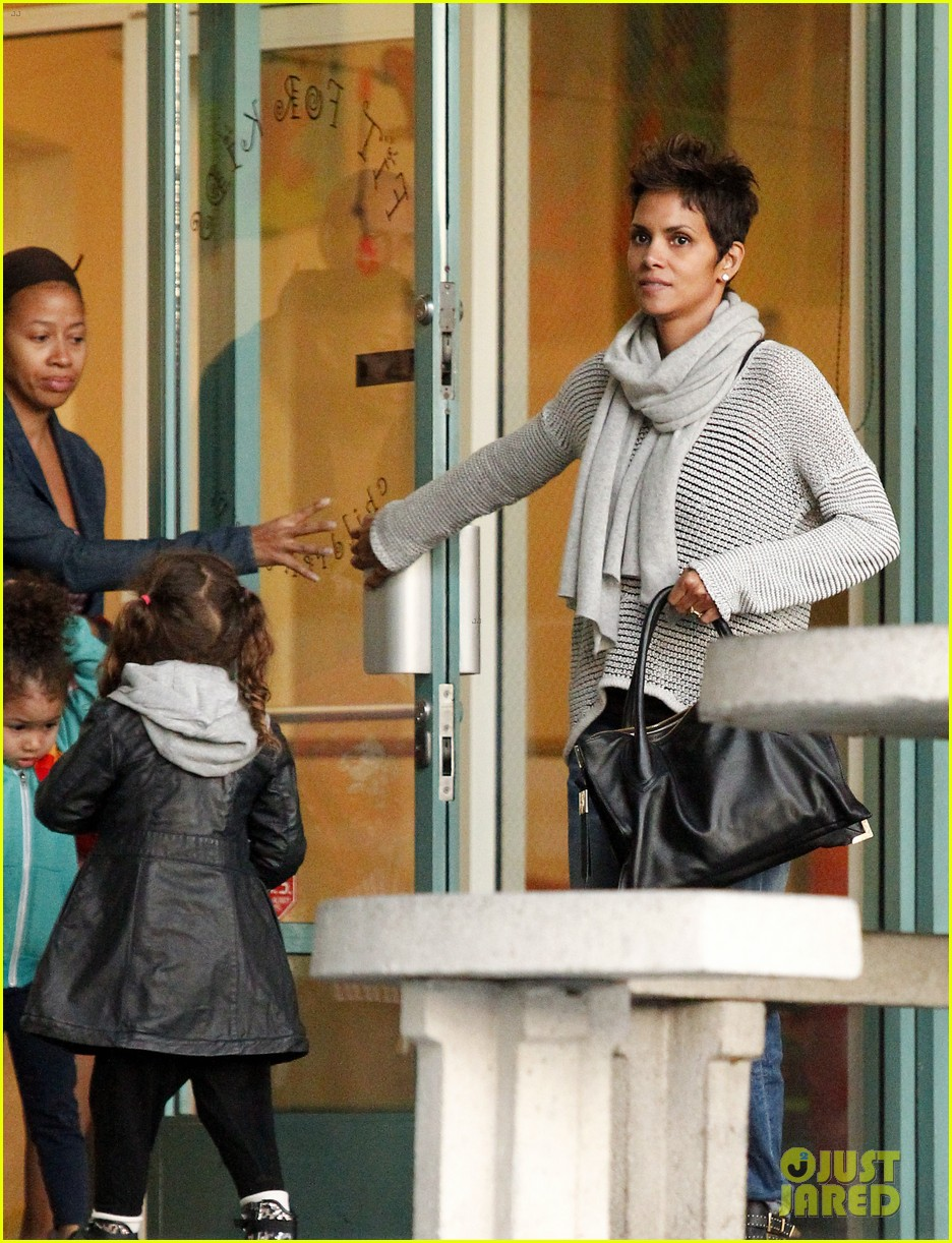 halle berry fit for kids with nahla 05