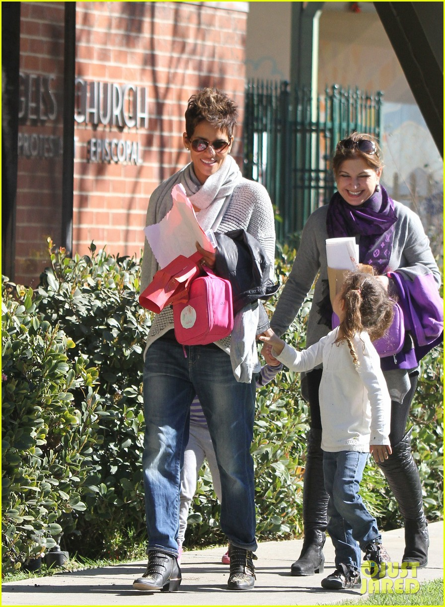 halle berry fit for kids with nahla 09