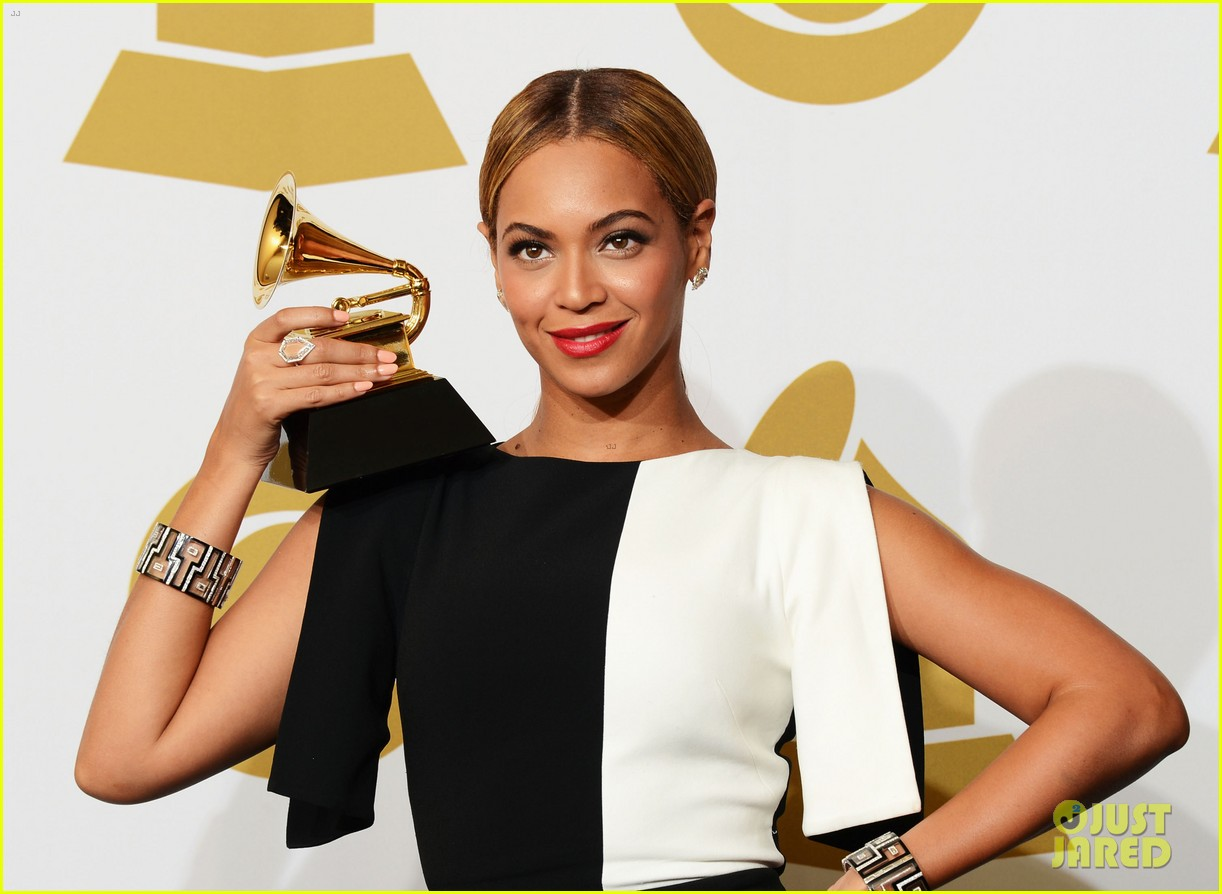 beyonce jay z grammys 2013 winners room photos 12