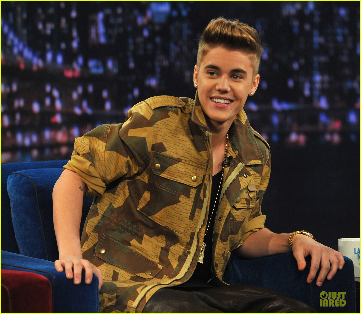 justin bieber abs flashing late night guest 04