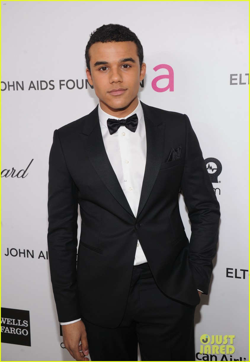 jacob artist and becca tobin