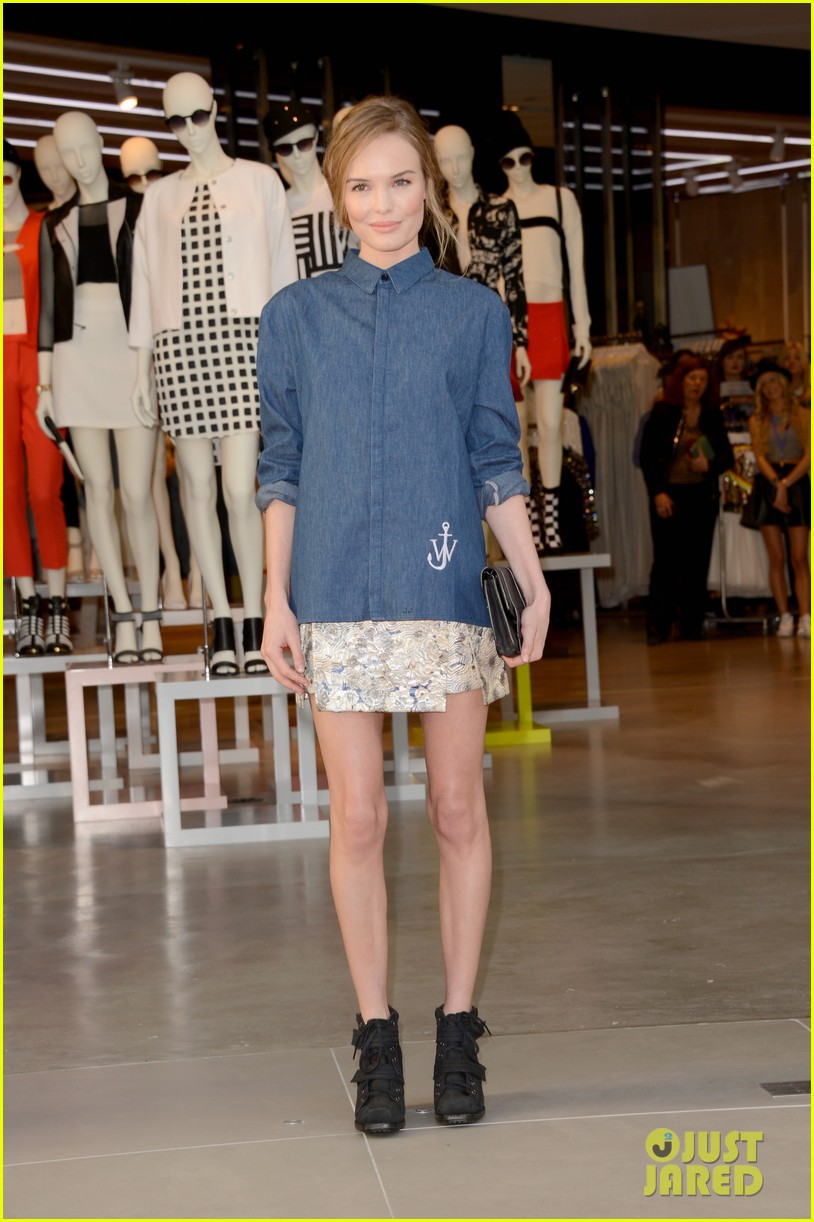 kate bosworth demi lovato topshop grand opening 12