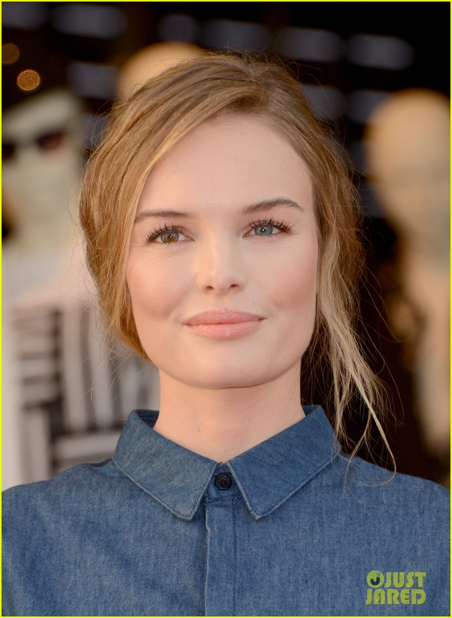 kate bosworth demi lovato topshop grand opening 13