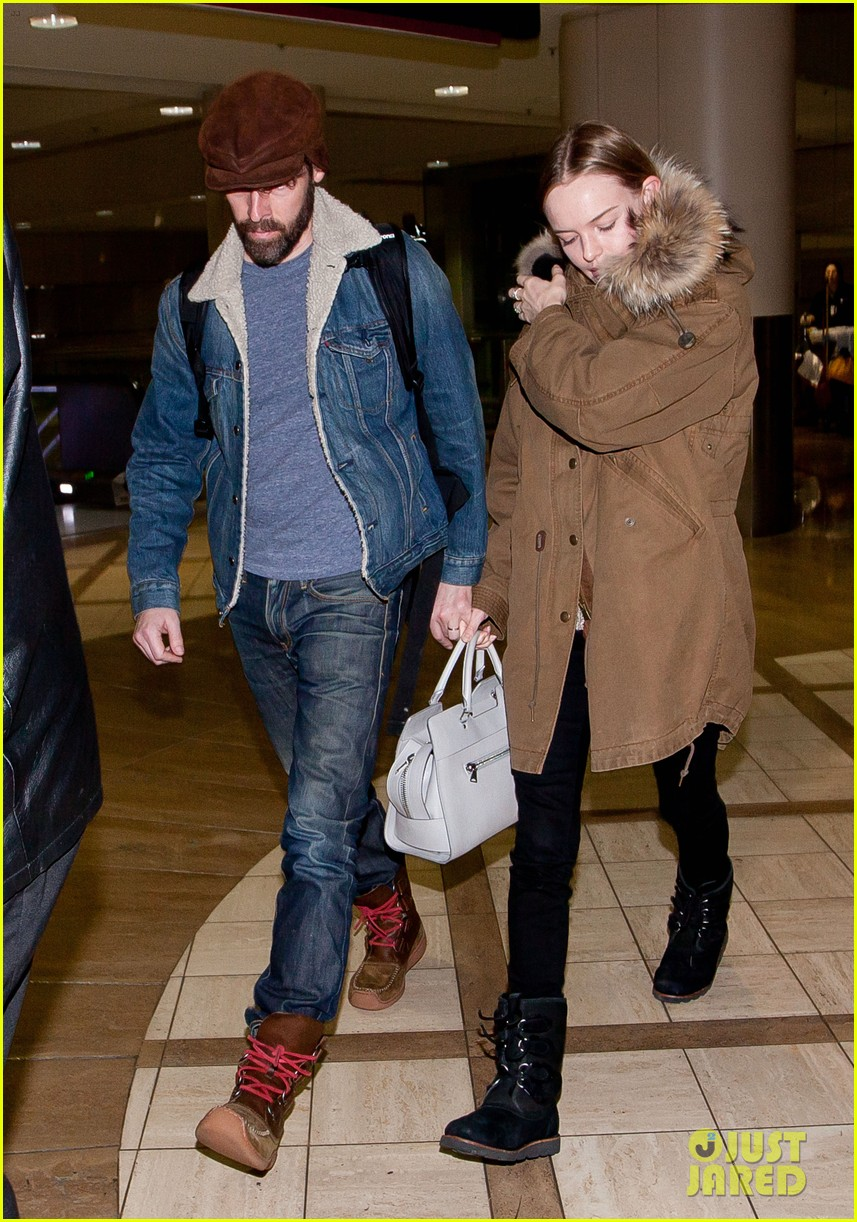 kate bosworth lax arrivial with michael polish 01