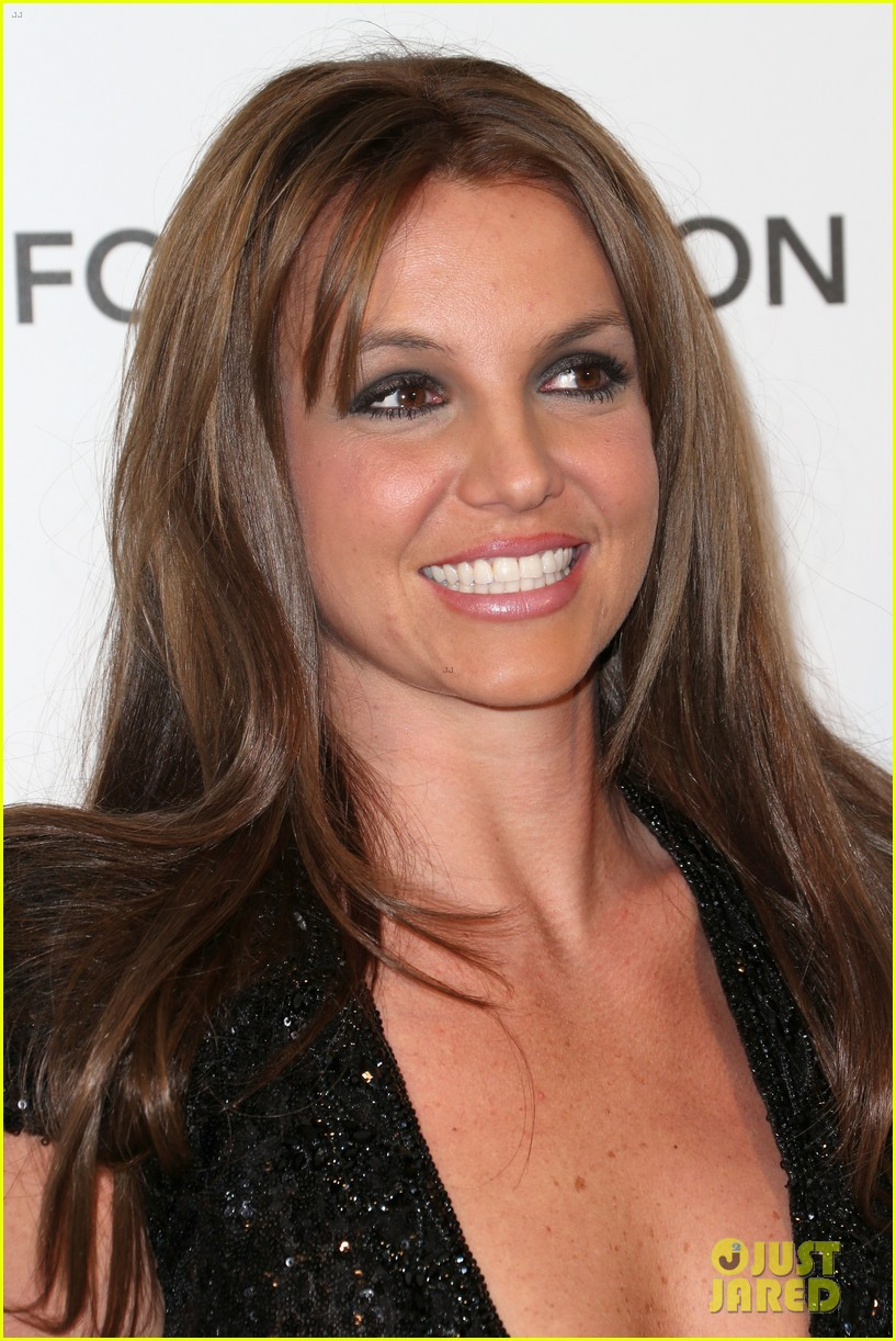 britney spears brown hair at elton john oscars party 2013 02
