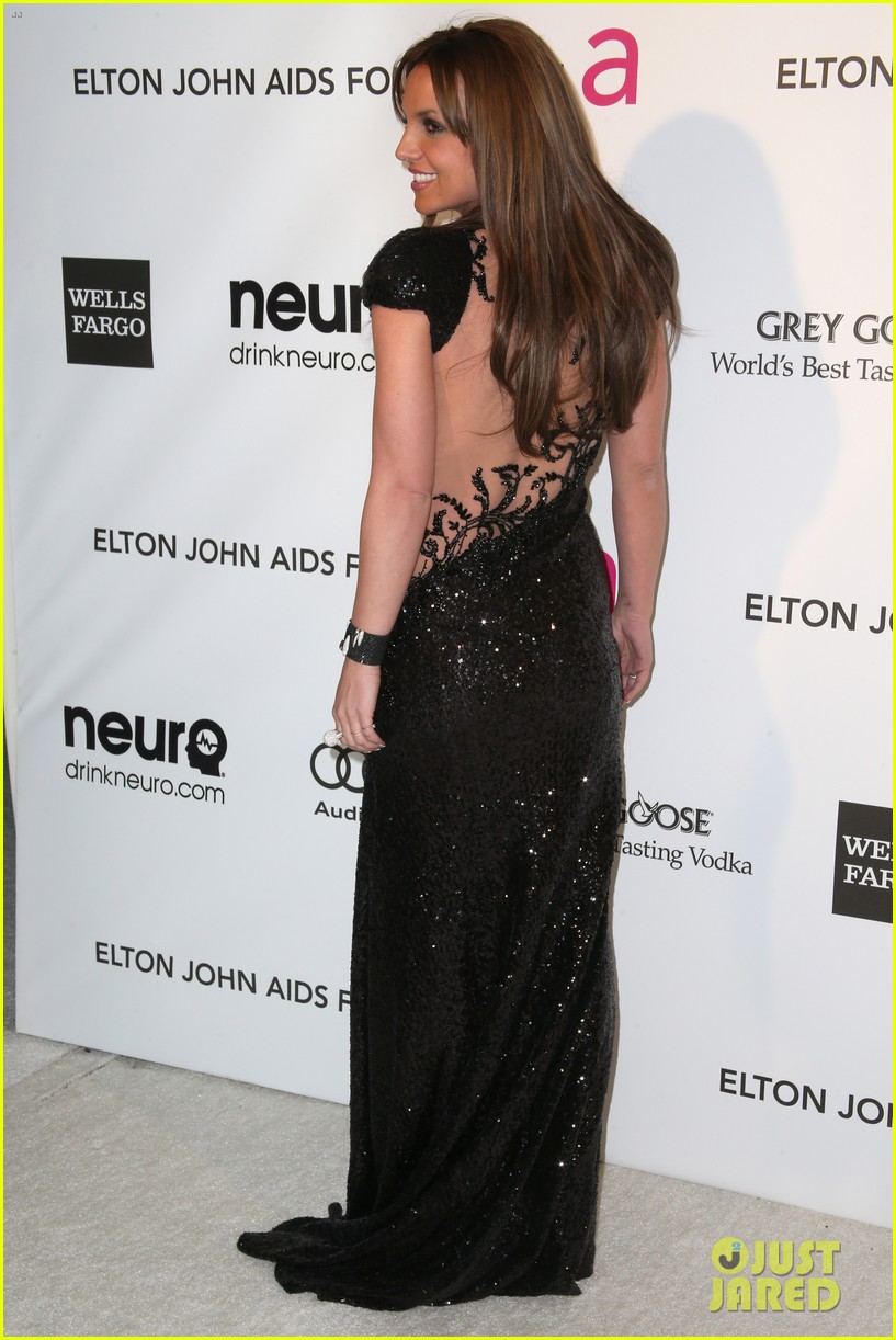 britney spears brown hair at elton john oscars party 2013 05