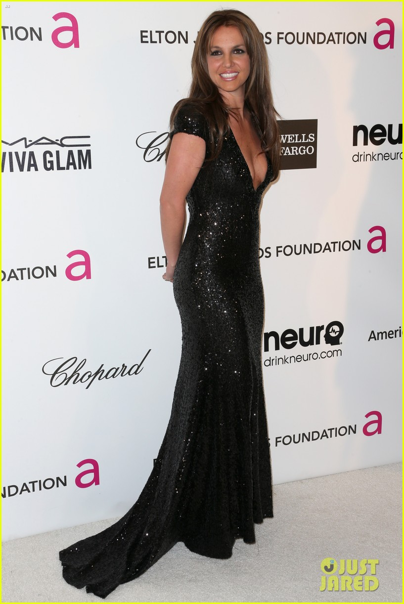 britney spears brown hair at elton john oscars party 2013 162820281