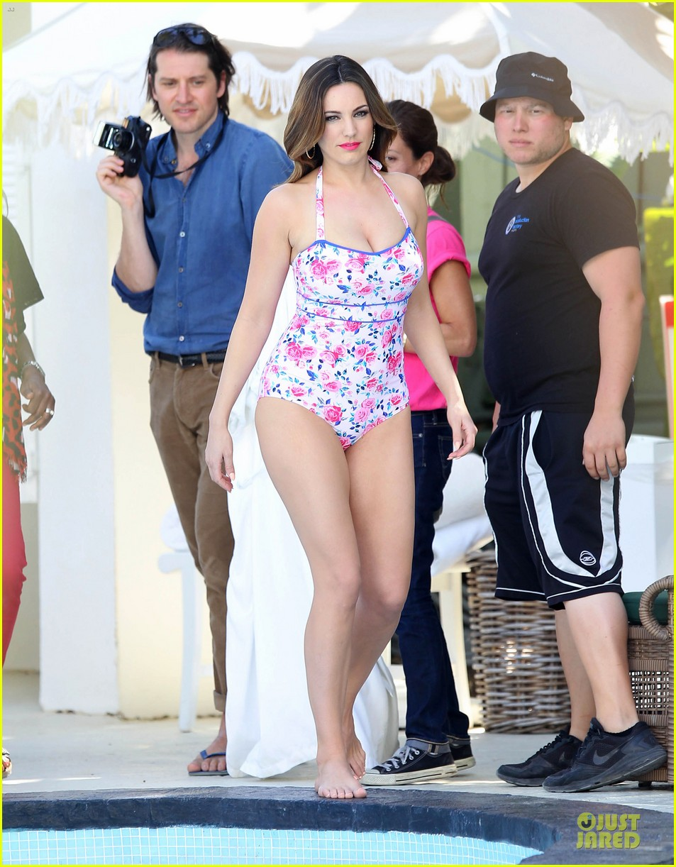 kelly brook post split bikini photo shoot 01