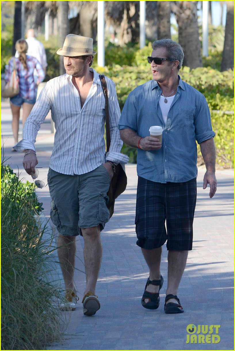 gerard butler mel gibson bromance continues 08