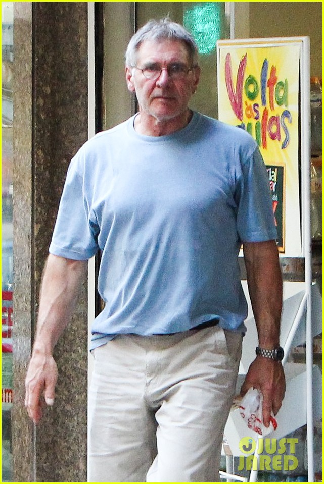 calista flockhart bikini beach day with harrison ford 02