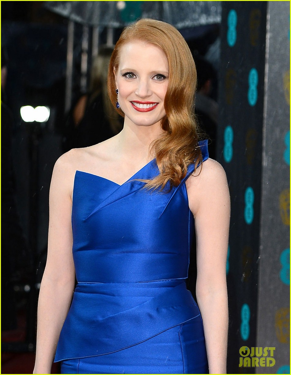 jessica chastain bafta red carpet 01