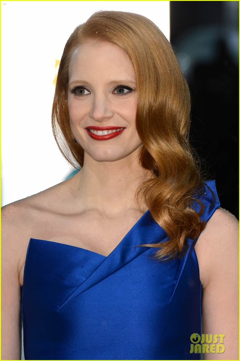 jessica chastain bafta red carpet 032808906