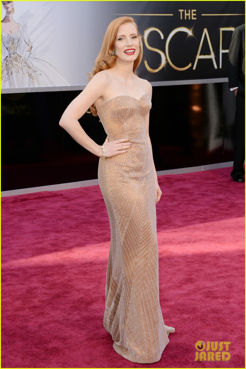 jessica chastain oscars 2013 red carpet 01